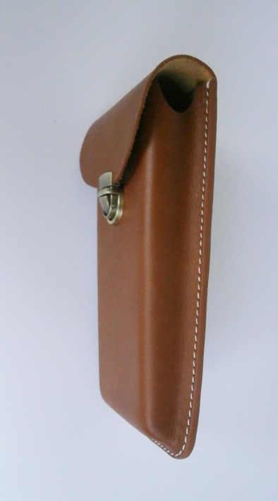 Samson Cables - Graphing Calculator Genuine Leather Case Details